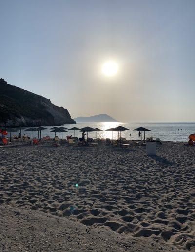 beach hopping in milos greece