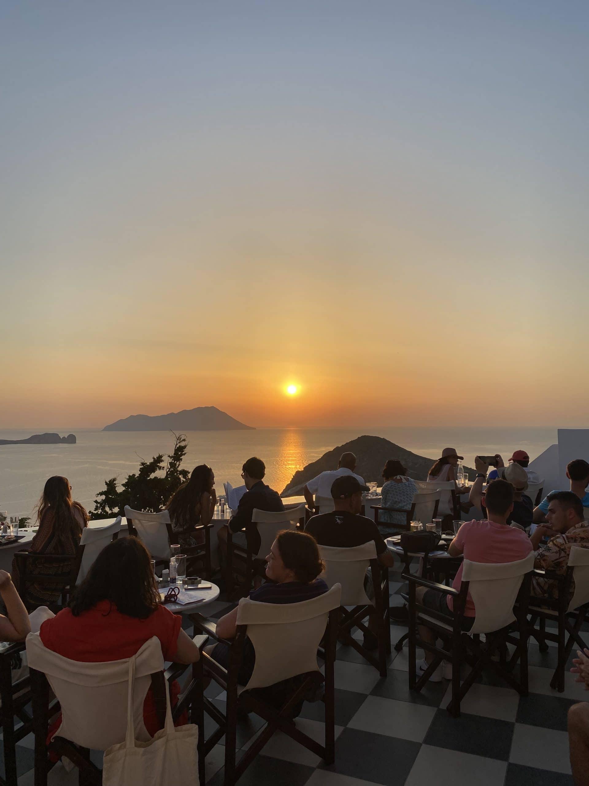 utopia cafe milos greece